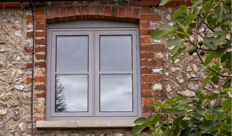 Stylish and durable flush aluminium window