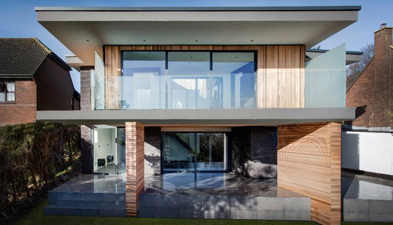 Modern detached house with large sliding doors