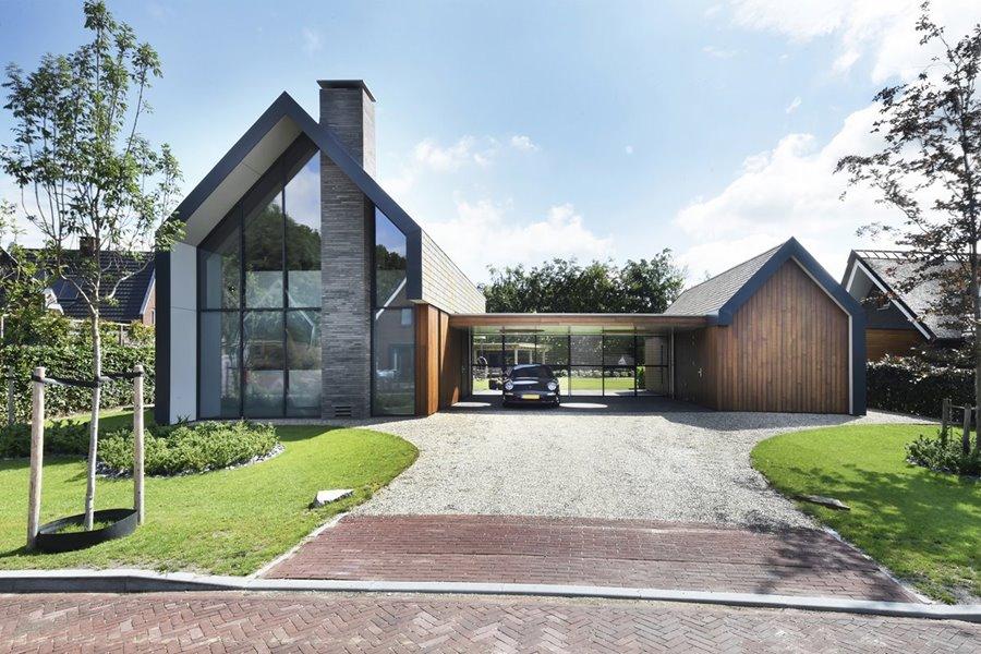 landelijke woning met garage en grote tuin